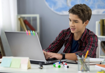 Child doing online class