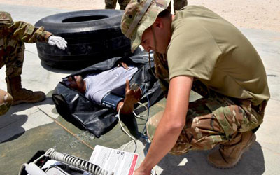 EMDS train for rapid heat injury response. Photo by Master Sgt. Benjamin Wiseman