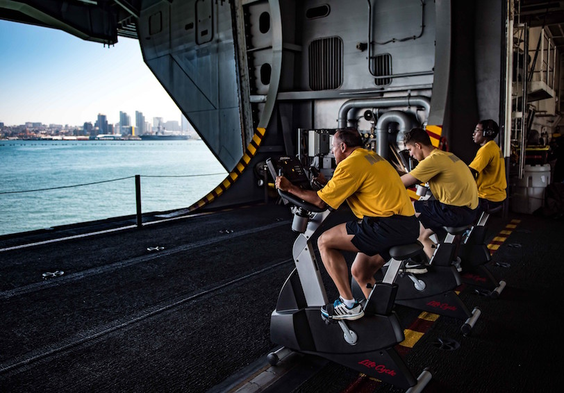 Sailors conduct their bi-annual Physical Readiness Test. (U.S. Navy photo by Mass Communication Specialist Seaman Bill M. Sanders/Released)